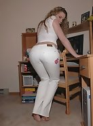 White hot tight pants, look at that ass!