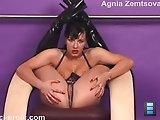 Agnia shows a couple of real nasty flexigirl tricks on camera